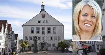 Bayerische Bürgermeisterin bei wildem Parkplatz Sex in Dienstwagen erwischt